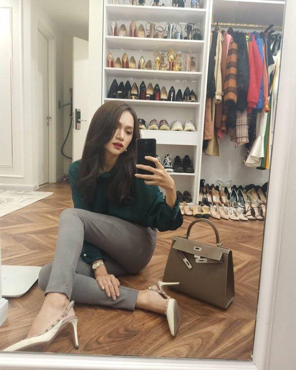 Hoa hậu Hương Giang sắm 8 đôi giày hiệu, chuẩn bị cho cuối năm nhưng vẫn chưa được diện-4