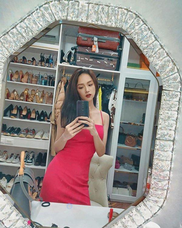 Hoa hậu Hương Giang sắm 8 đôi giày hiệu, chuẩn bị cho cuối năm nhưng vẫn chưa được diện-5