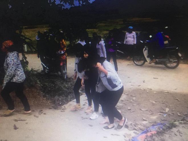 Thảm án 5 người chết ở Thái Nguyên: Hai con gái suy sụp, ôm nhau khóc khi hay tin bố giết mẹ và 4 người khác-3