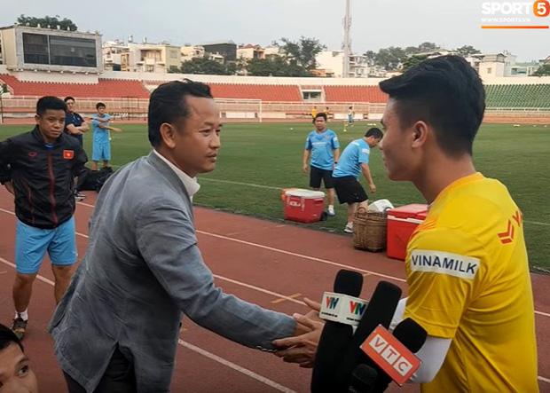 Trợ lý Lê Huy Khoa bất ngờ ghé thăm U23 Việt Nam, khẳng định vẫn còn hợp tác với thầy Park-2