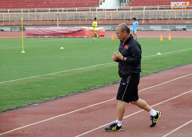 Trợ lý Lê Huy Khoa bất ngờ ghé thăm U23 Việt Nam, khẳng định vẫn còn hợp tác với thầy Park-4