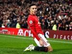 Lãnh 2 cái tát trời giáng từ Arsenal, Man United để mất cơ hội vàng trong vòng đấu lạ lùng-5