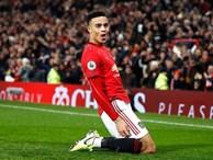 Man United đập tan 'cái dớp' kỳ lạ; Liverpool chạm một tay vào chức vô địch Premier League
