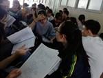 Cảnh cáo bảo vệ bị tố đạp vào người và bắt nhốt nữ sinh viên-2