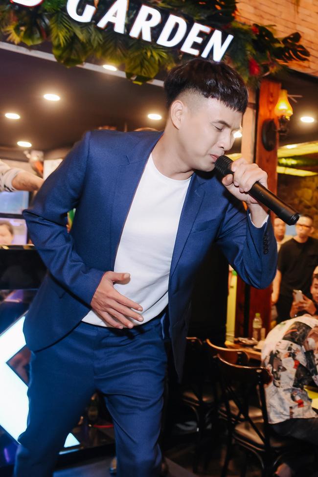 Hồ Quang Hiếu lần đầu xuất hiện, béo tốt hẳn ra sau 15 ngày vướng scandal hiếp dâm và nói câu không ai ngờ-7