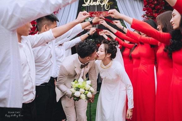 Trọn bộ ảnh đẹp lung linh trong lễ đính hôn của Phan Văn Đức và Võ Nhật Linh-3