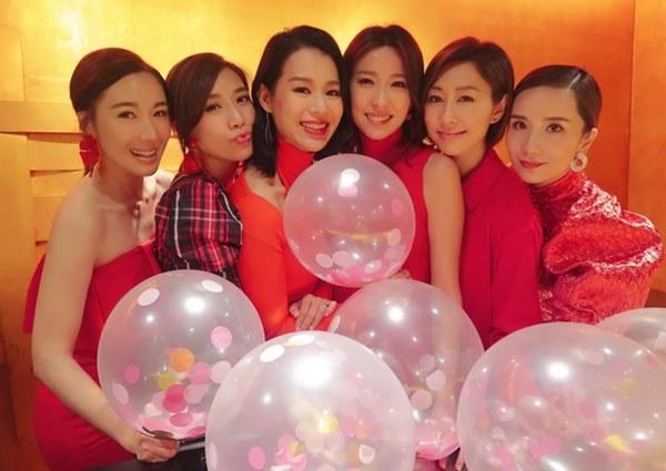 Hội bạn thân quyền lực nhất Hong Kong: Toàn mỹ nhân xinh đẹp, nóng bỏng và giàu có-3