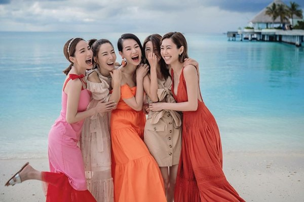 Hội bạn thân quyền lực nhất Hong Kong: Toàn mỹ nhân xinh đẹp, nóng bỏng và giàu có-8