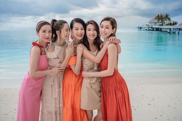 Hội bạn thân quyền lực nhất Hong Kong: Toàn mỹ nhân xinh đẹp, nóng bỏng và giàu có-9