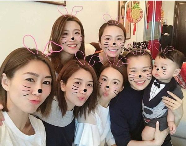 Hội bạn thân quyền lực nhất Hong Kong: Toàn mỹ nhân xinh đẹp, nóng bỏng và giàu có-16