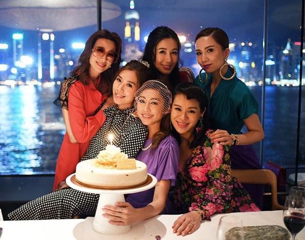 Hội bạn thân quyền lực nhất Hong Kong: Toàn mỹ nhân xinh đẹp, nóng bỏng và giàu có-20