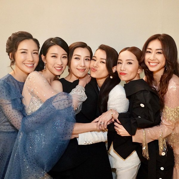 Hội bạn thân quyền lực nhất Hong Kong: Toàn mỹ nhân xinh đẹp, nóng bỏng và giàu có-26