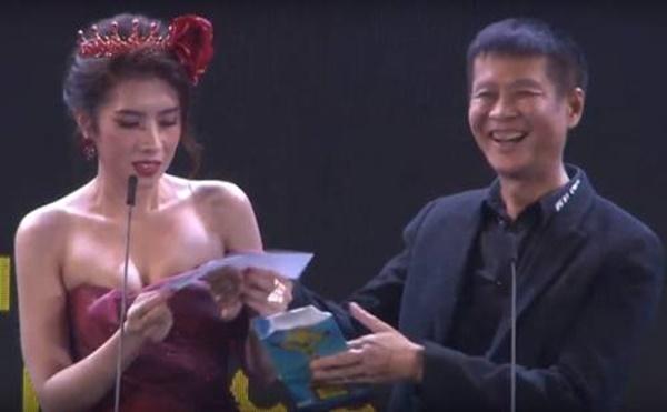 Ngôi Sao Xanh 2019: Nhầm từ nhạy cảm trên sóng trực tiếp, Hoa hậu Du lịch hô Chết rồi-3