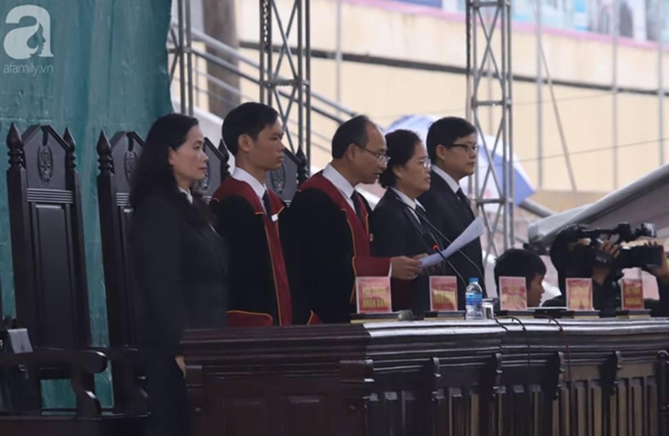 Tuyên án đối với Bùi Văn Công và đồng bọn vụ nữ sinh giao gà bị hiếp dâm, sát hại ở Điện Biên: Đề nghị tử hình 6 bị cáo-2