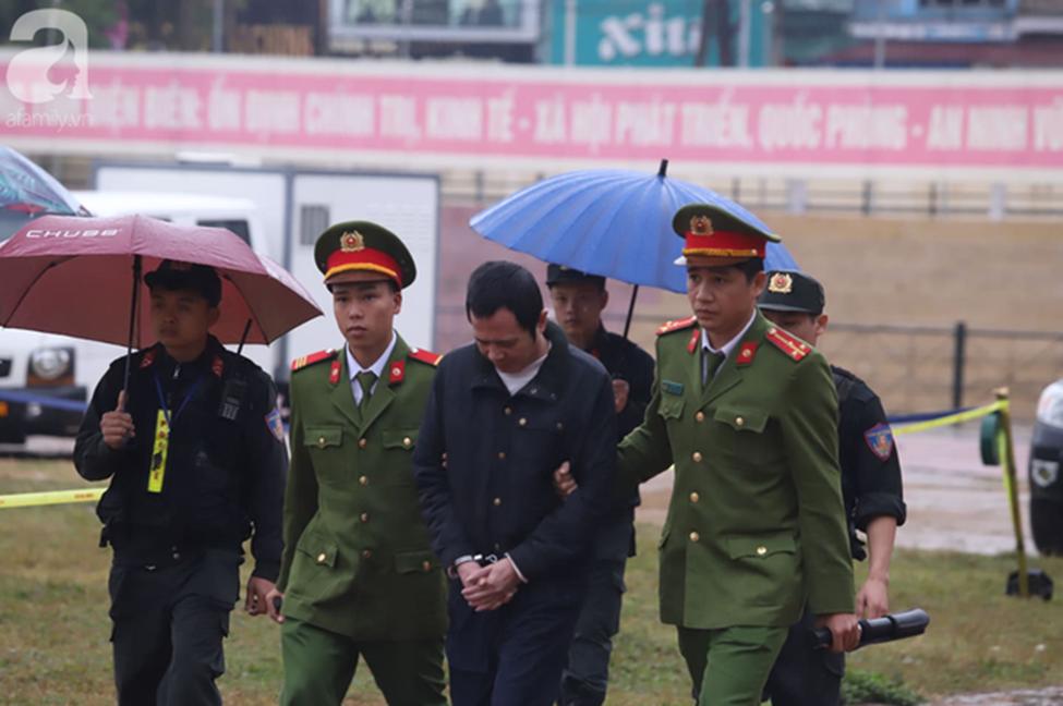 Tuyên án đối với Bùi Văn Công và đồng bọn vụ nữ sinh giao gà bị hiếp dâm, sát hại ở Điện Biên: Đề nghị tử hình 6 bị cáo-6