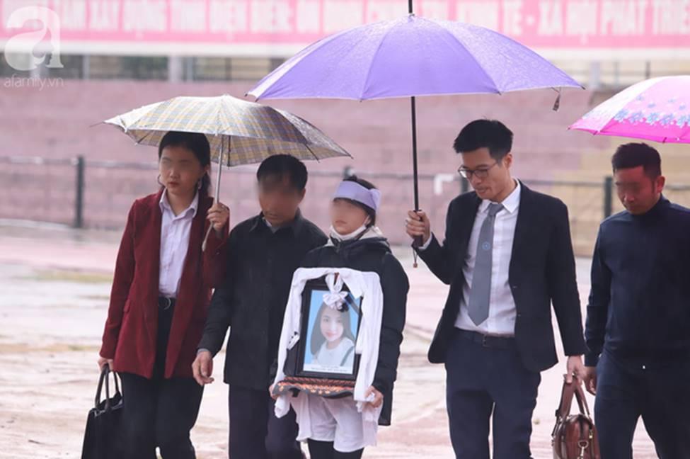 Tuyên án đối với Bùi Văn Công và đồng bọn vụ nữ sinh giao gà bị hiếp dâm, sát hại ở Điện Biên: Đề nghị tử hình 6 bị cáo-13