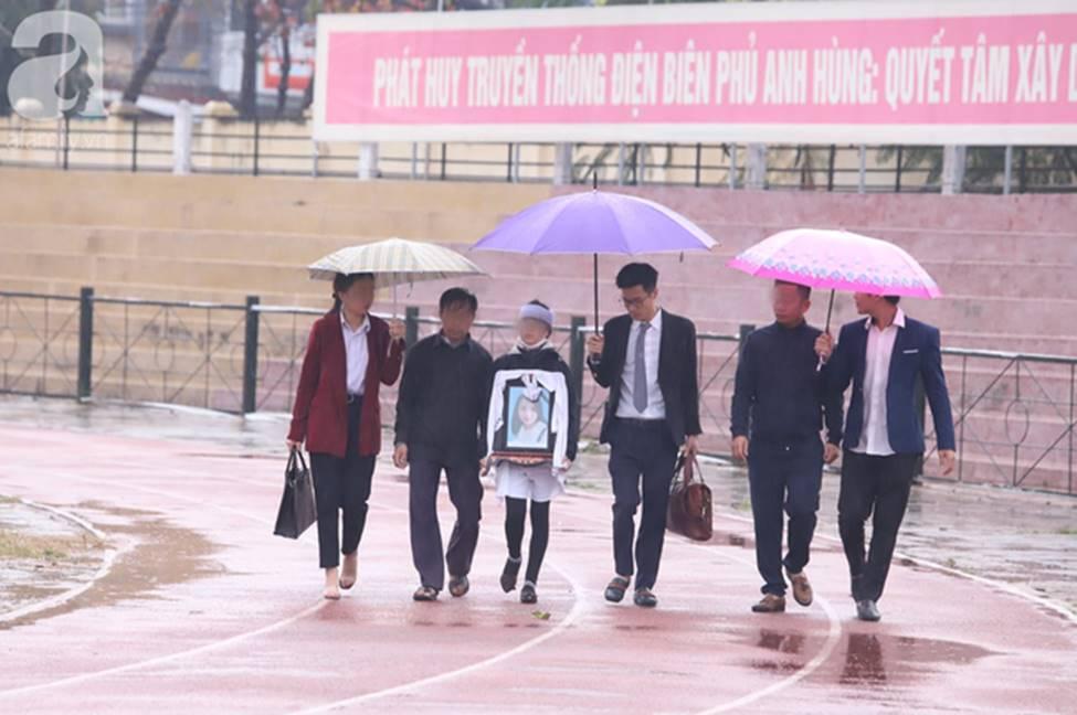 Tuyên án đối với Bùi Văn Công và đồng bọn vụ nữ sinh giao gà bị hiếp dâm, sát hại ở Điện Biên: Đề nghị tử hình 6 bị cáo-14