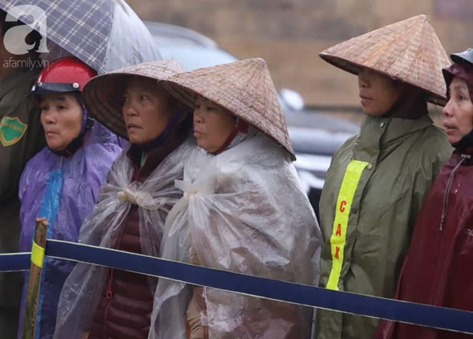 Tuyên án đối với Bùi Văn Công và đồng bọn vụ nữ sinh giao gà bị hiếp dâm, sát hại ở Điện Biên: Đề nghị tử hình 6 bị cáo-15
