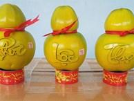 Hô biến trái dừa thành hình hồ lô, giá 1,2 triệu/cặp tranh nhau mua