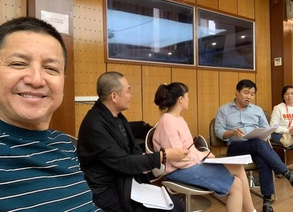 Dàn nghệ sĩ hai miền Nam - Bắc tụ họp chuẩn bị cho chương trình thay Táo Quân: Hoài Linh, Chí Tài và Lý Nhã Kỳ cũng xuất hiện-5
