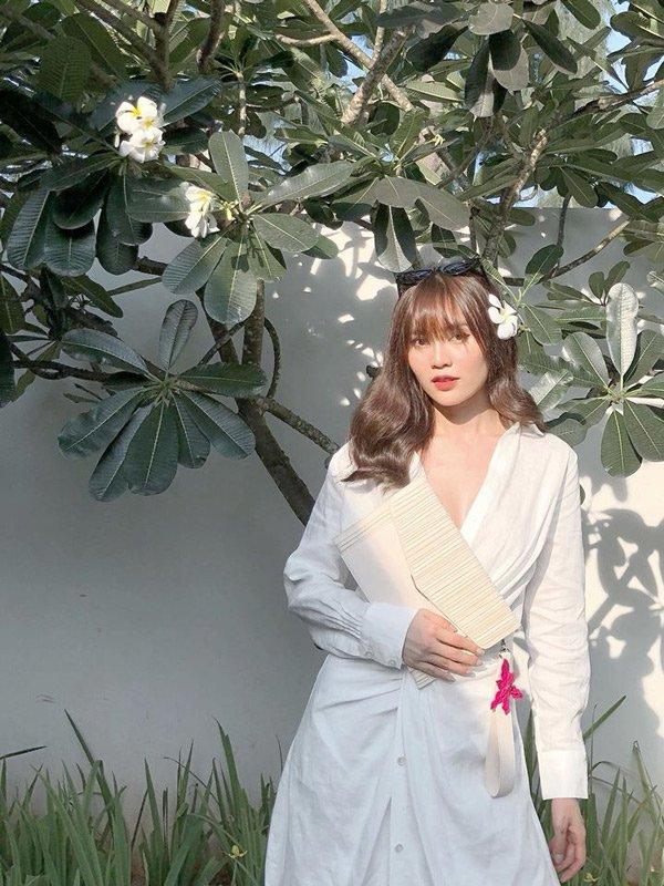 Ninh Dương Lan Ngọc thay đổi phong cách, ăn mặc ngày càng gợi cảm-13