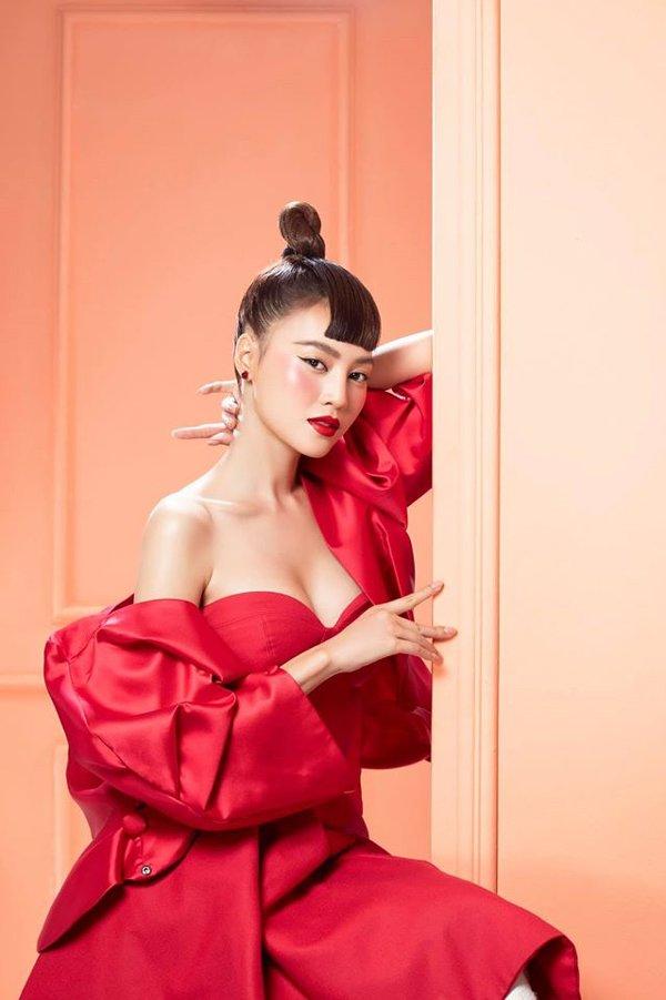 Ninh Dương Lan Ngọc thay đổi phong cách, ăn mặc ngày càng gợi cảm-8