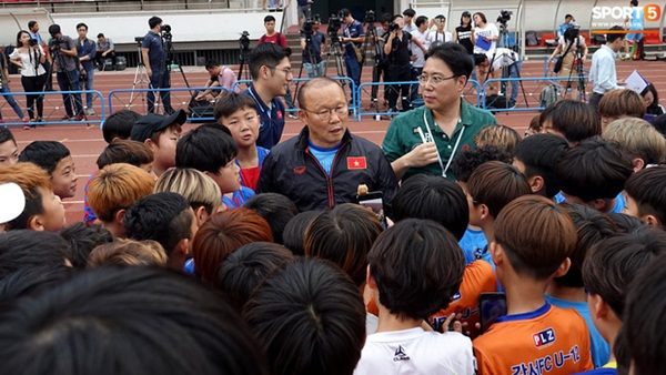 HLV Park Hang-seo biểu hiện bất thường, báo hiệu U23 Việt Nam đang gặp nhiều vấn đề khó?-1
