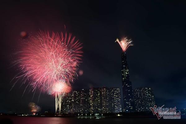 Lộ trình tránh kẹt xe đêm Sài Gòn bắn pháo hoa chào năm mới-1