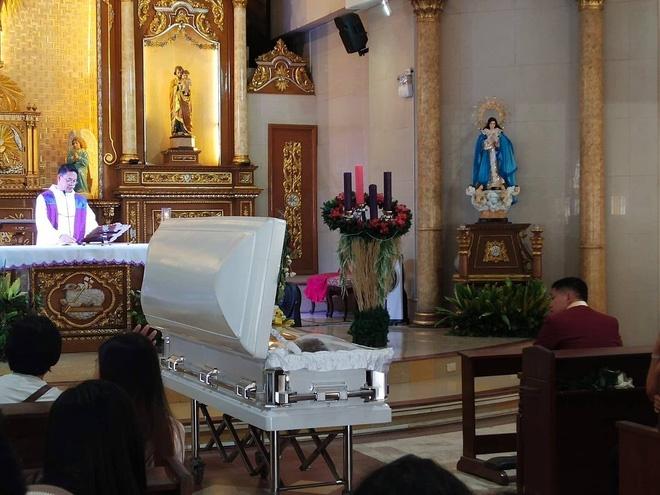 Chuyện tình đẫm nước mắt của chàng trai mất người yêu ngay trước thềm hôn lễ, ngày cưới cũng là ngày đám tang của cô dâu-8
