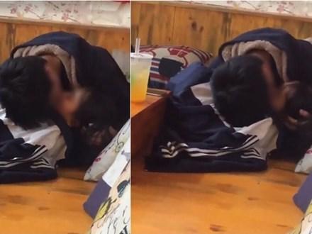 Clip cặp đôi mặc áo học sinh nằm ngả ngớn hôn nhau, thản nhiên sờ soạng trong quán trà sữa khiến nhiều người