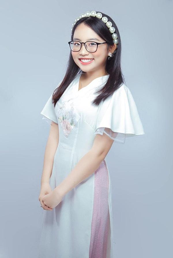 Phương Mỹ Chi xác nhận rời công ty quản lý của ba nuôi Quang Lê sau 6 năm gắn bó, nhưng lý do là gì?-2