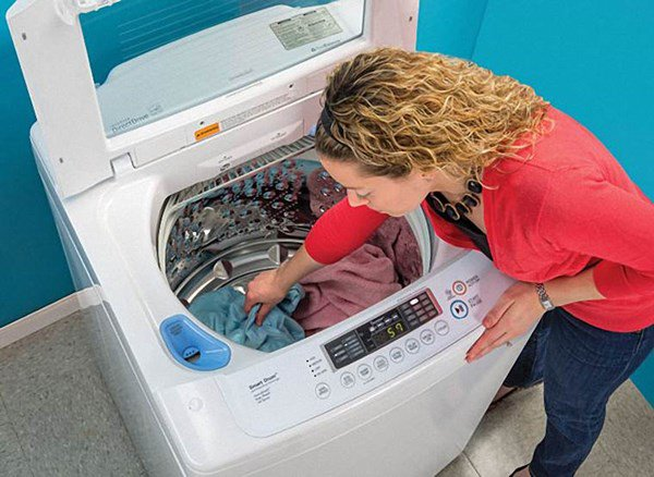 Lấy 2 quả bóng cho vào máy giặt, hiệu quả bất ngờ mẹ nào cũng nên học theo-2