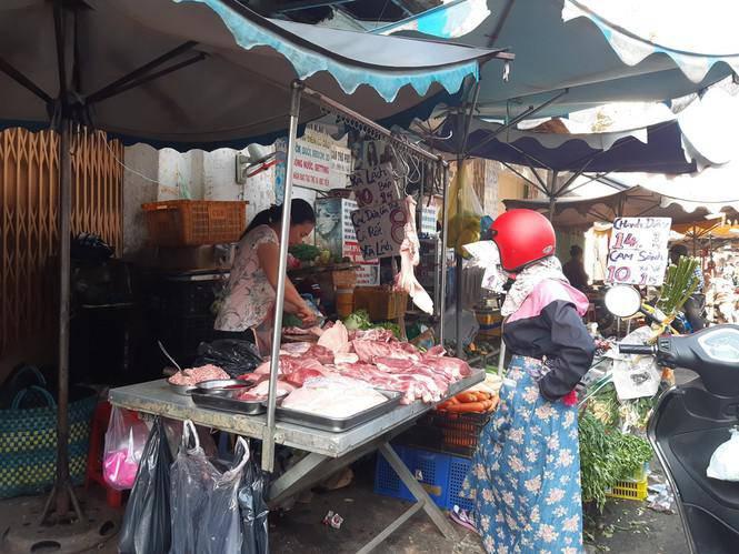 Tiểu thương méo mặt vì hàng hóa ế ẩm dịp Tết Dương lịch-14