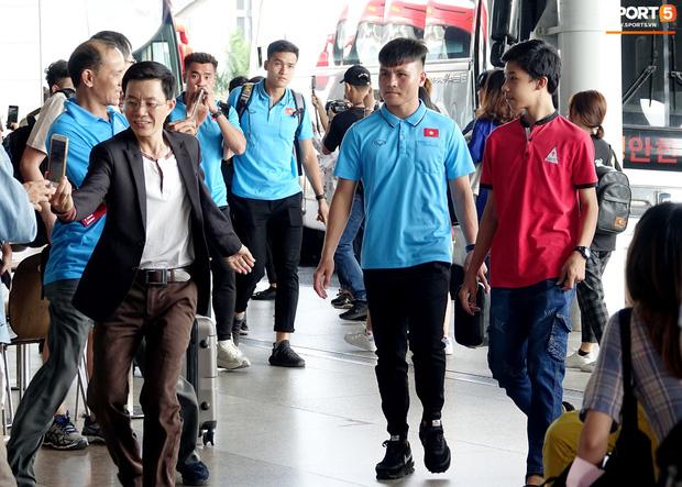Khẩu hiệu mới cực chất của U23 Việt Nam: Anh em bốn bể là nhà. Người dưng khác họ vẫn là anh em-1