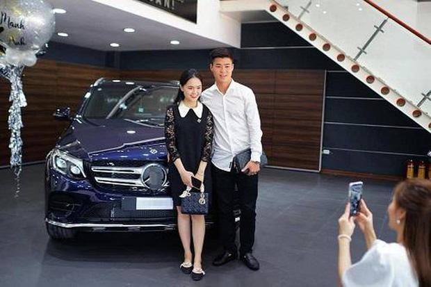 Duy Mạnh và Quỳnh Anh về chung một nhà, khối tài sản sẽ khủng đến cỡ nào: Xế hộp tiền tỷ, đồ hiệu có kém gì ai!-5