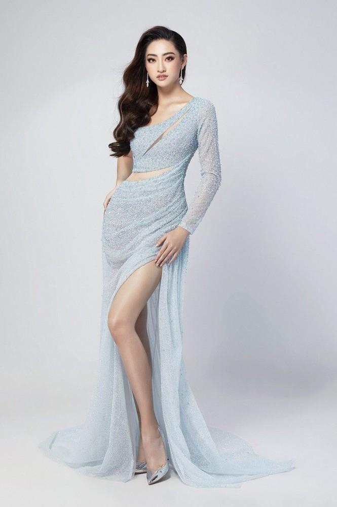 Ngắm lại loạt váy dạ hội nóng bỏng mỹ nhân Việt mang tới trường quốc tế năm 2019-5