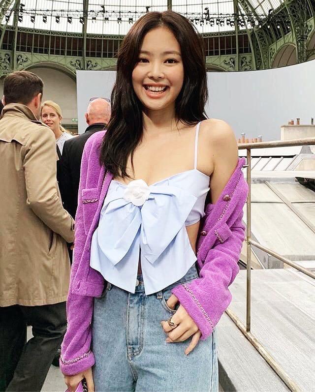 """Chiếc áo nơ hot nhất lúc này đã khiến Phượng Chanel bất chấp dù đụng"""" từ Jennie, Liu Wen tới Châu Bùi-6"""