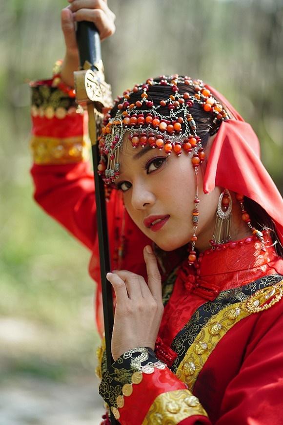 Khoe sắc với bộ ảnh cổ trang, Hoàng Yến Chibi gây tranh luận là đang hóa Tiểu Yến Tử hay Hàm Hương-2