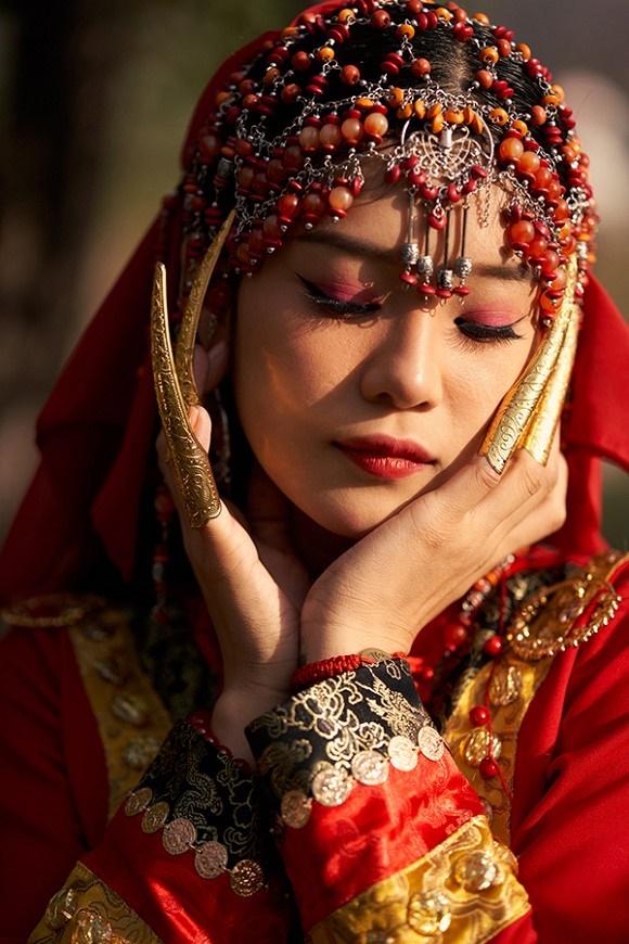 Khoe sắc với bộ ảnh cổ trang, Hoàng Yến Chibi gây tranh luận là đang hóa Tiểu Yến Tử hay Hàm Hương-8