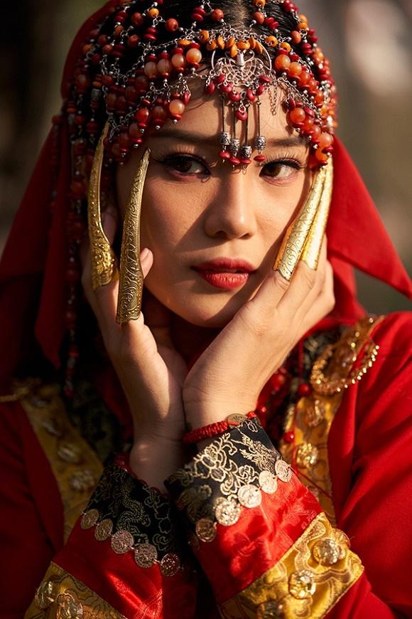 Khoe sắc với bộ ảnh cổ trang, Hoàng Yến Chibi gây tranh luận là đang hóa Tiểu Yến Tử hay Hàm Hương-7