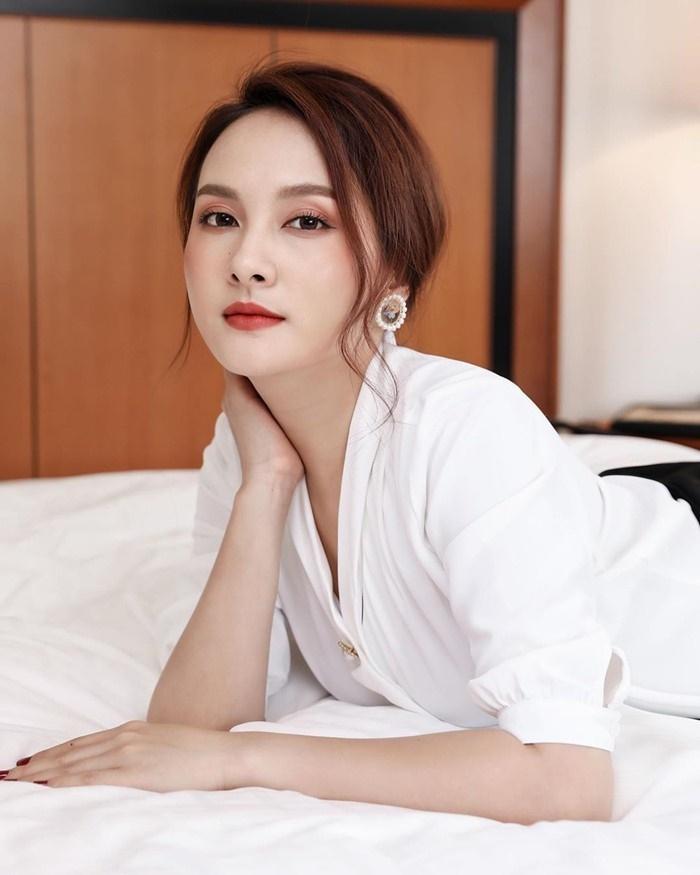 Nhã Phương, Lan Ngọc và mỹ nhân Việt bước sang tuổi 30-4