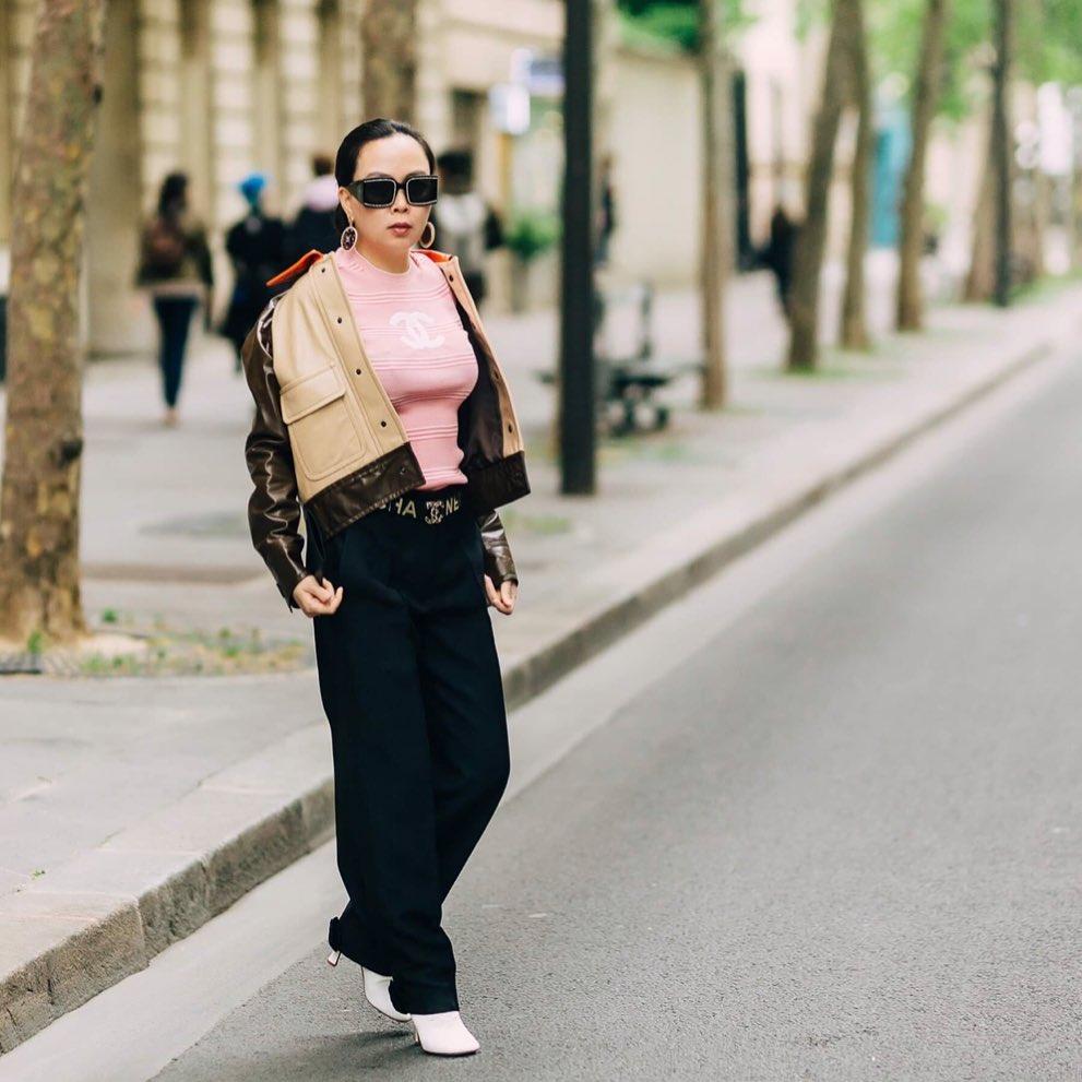 Sắc hồng ngọt ngào là thế mà hễ Phượng Chanel mặc là y như rằng bầu trời thời trang sụp đổ-8