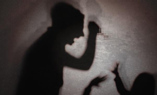Cô gái Việt bị người quen Hàn Quốc đánh đập trên đường, truy đuổi và đâm chết trên xe buýt ngay trước mặt các hành khách-1