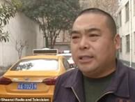 Sợ bị mắng vì không làm bài tập, nữ sinh 10 tuổi bắt taxi đến thẳng trại mồ côi khiến bố mẹ được phen hết hồn