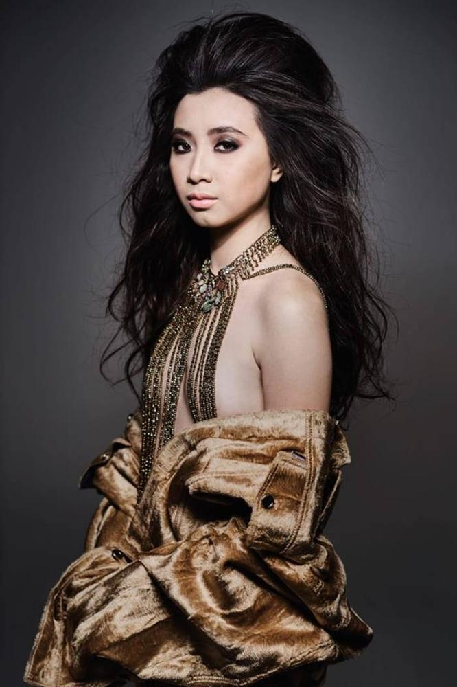 Mẫu nữ gốc Việt lên trang bìa tạp chí nổi tiếng Mỹ-1