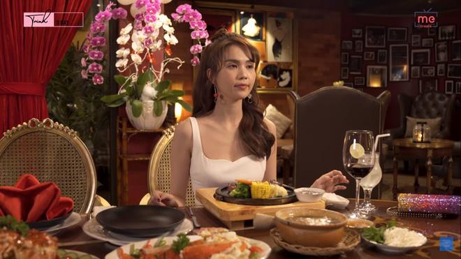 Ngọc Trinh gây sửng sốt khi một mình ăn bữa ăn gần 20 triệu, mỗi món chỉ gắp vài miếng-2