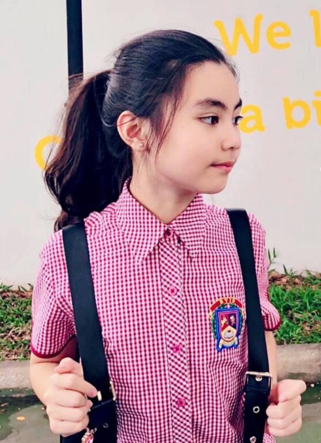 2 công chúa nhà Quyền Linh: Cô chị ra dáng Hoa hậu, cô em cũng cao lớn vượt trội chuẩn mỹ nhân Vbiz tương lai-3