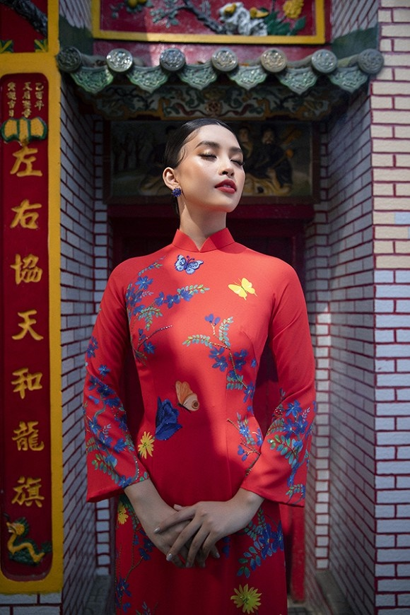 Chuẩn gương mặt đẹp nhất năm, Tiểu Vy lại tung bộ ảnh mới trong trang phục truyền thống-4
