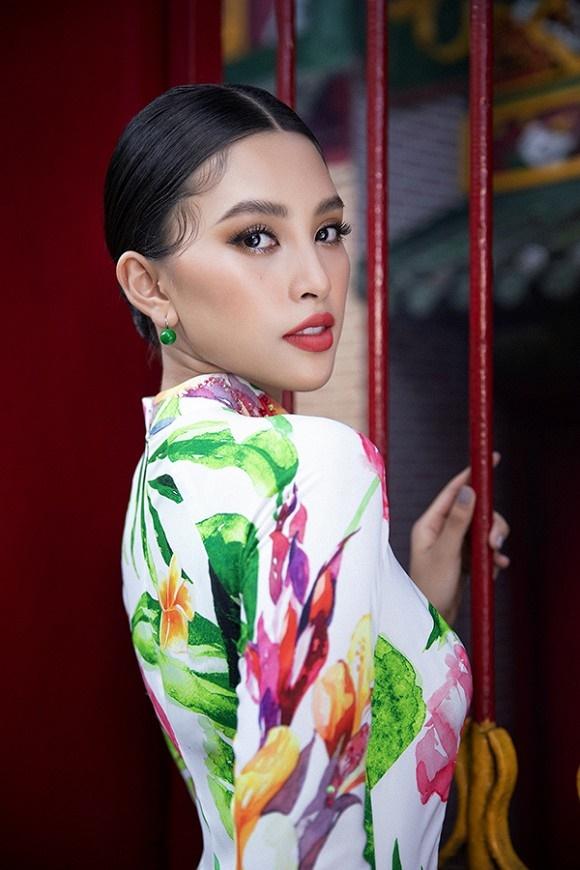 Chuẩn gương mặt đẹp nhất năm, Tiểu Vy lại tung bộ ảnh mới trong trang phục truyền thống-5