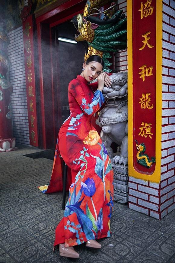Chuẩn gương mặt đẹp nhất năm, Tiểu Vy lại tung bộ ảnh mới trong trang phục truyền thống-2